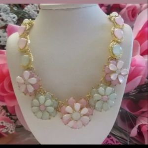 New Betsey Johnson mint/lilac necklace